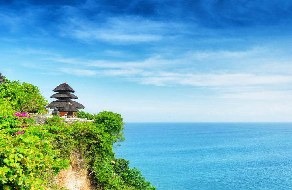 Looking for places to add to your Bali itinerary? Add Uluwatu!