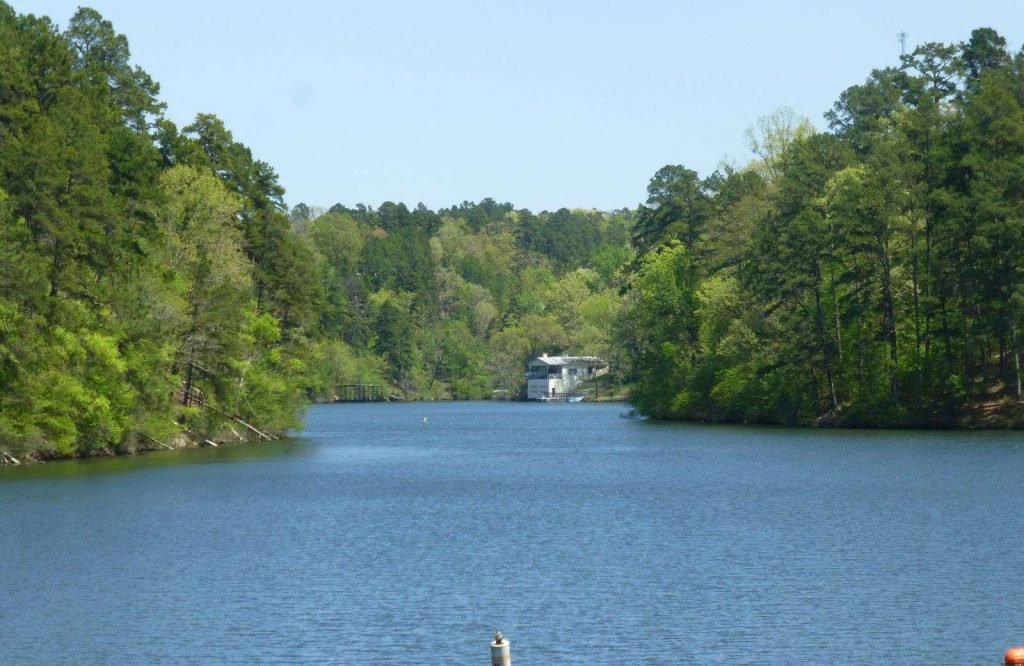 There are so many fun things to do in Hot Springs, Arkansas and Lake Catherine State Park is one of them.