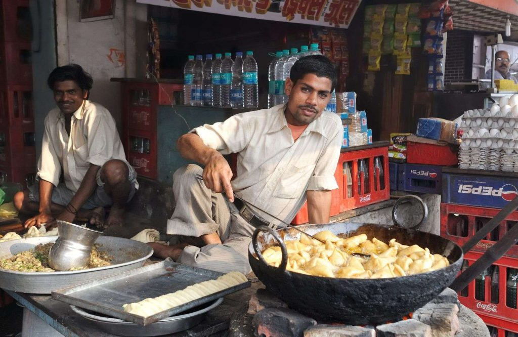 Follow these tips to safely eat Indian street food.