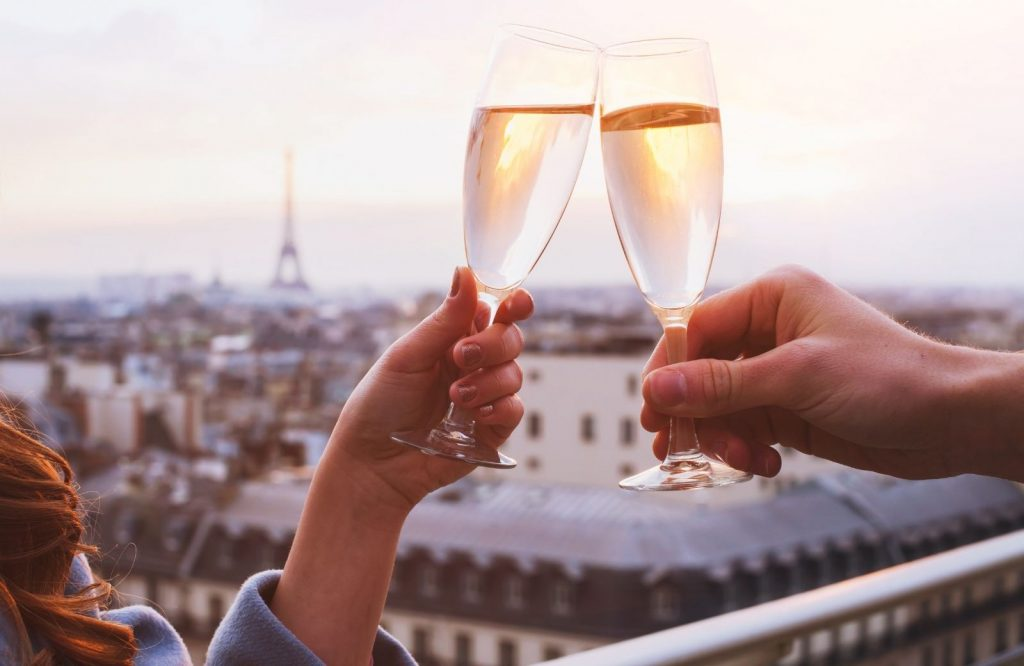Money saving tips for your 3 days in Paris itinerary.