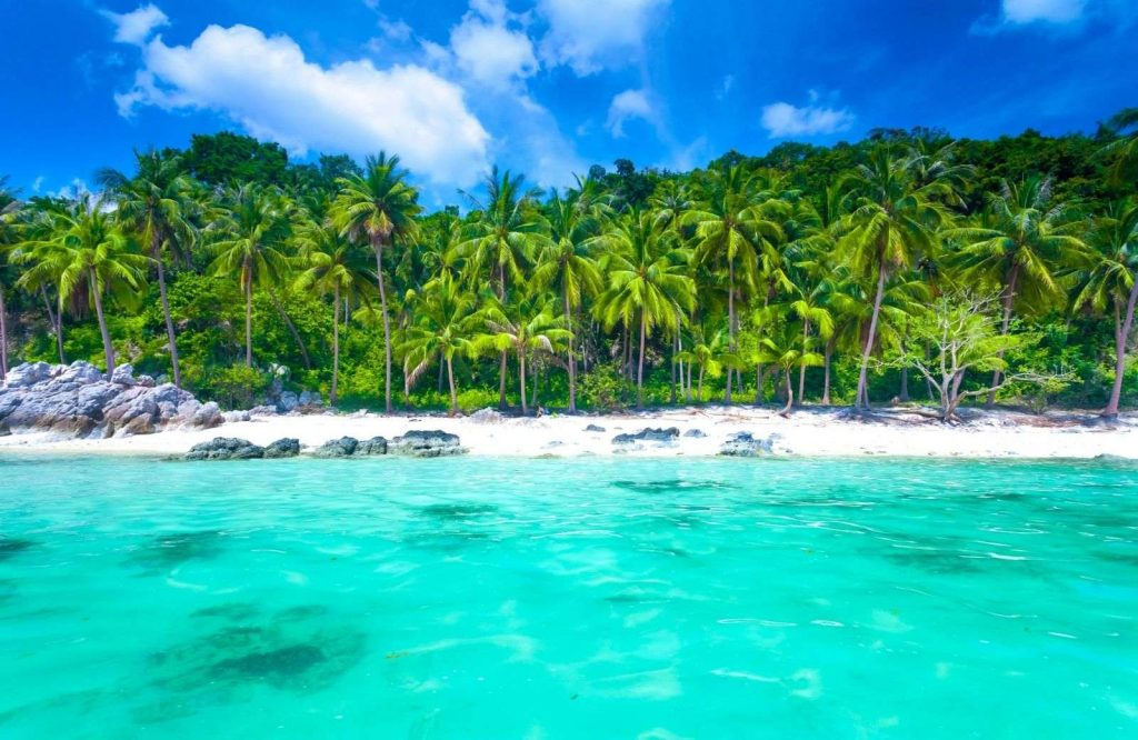 Koh Samui is one of the most awesome islands in Asia.